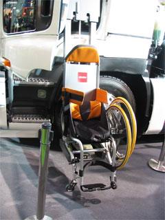 イスズの助手席車椅子